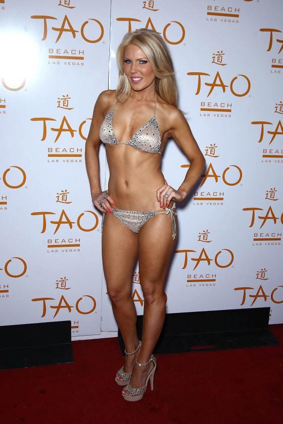 Gretchen Rossi - In a bikini-01-560x840