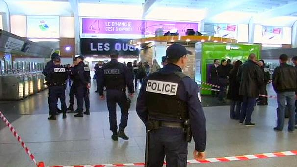 606x341_225924_police-search-for-attacker-after-frenc